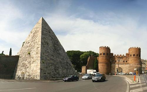 Caius Cestius Piramidi
