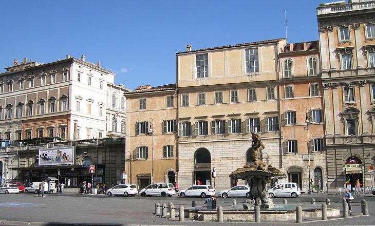 Piazza-Barberini-resim